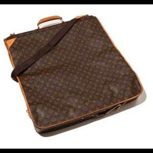 Louis vuiton garment travelling bag.